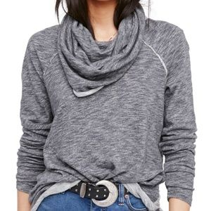 *FREE PEOPLE BEACH COCOON 2 BODY CORP PULLOVER!